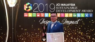 Congratulations to Dr. Chen Chee Dhang for winning the Sustainable Development Award 2019